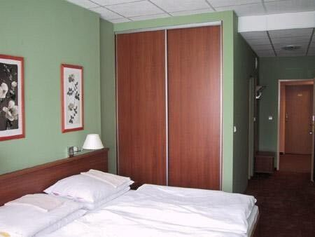 Отдых и оздоровление за рубежом Ibookmed Курорт Смрдаки, Санаторий Central 2* - фото 2