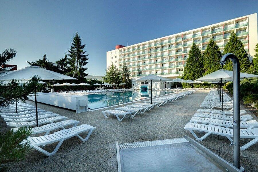 Отдых и оздоровление за рубежом Ibookmed Курорт Дудинце Отель Рубин 3* - фото 1