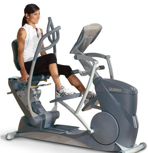 Эллиптический тренажер Octane Fitness С дополнительным экраном xR6000 bundle - фото 1