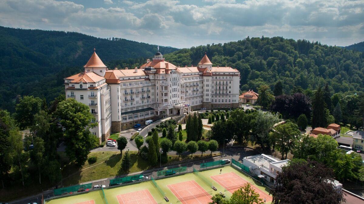 Отдых и оздоровление за рубежом Ibookmed Курорт Карловы Вары Отель Imperial 4* - фото 1