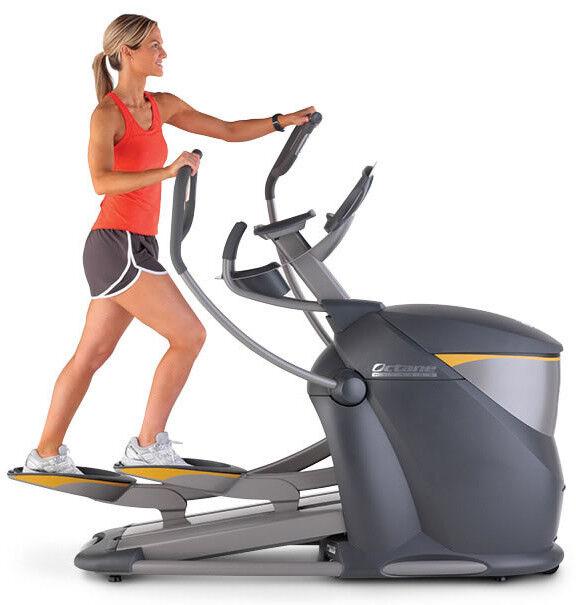 Эллиптический тренажер Octane Fitness С дополнительным экраном Pro4700 bunde - фото 1