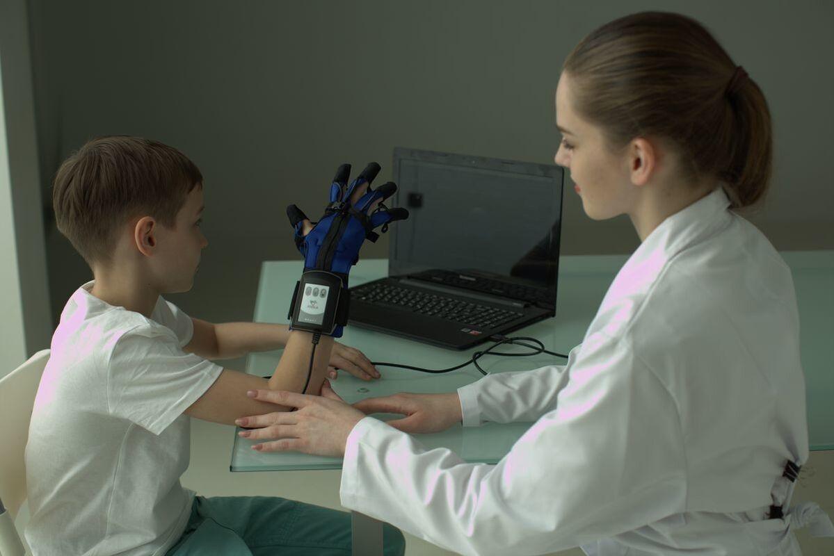 Медицинское оборудование Мадин Реабилитационная перчатка «АНИКА» - фото 2