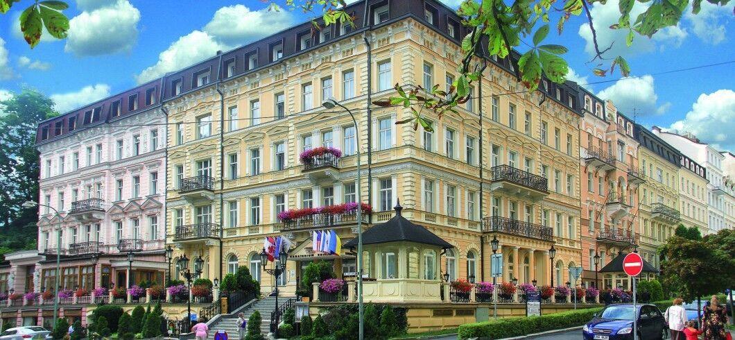 Отдых и оздоровление за рубежом Ibookmed Курорт Карловы Вары Отель Krivan 3* - фото 1