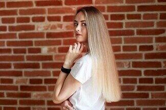«С каждым днем коса становилась все тоньше». История девушки, которая спасла свои волосы