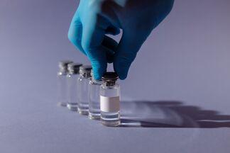 Экс-глава Минздрава рассказал о шансах заболеть после прививки от СOVID-19